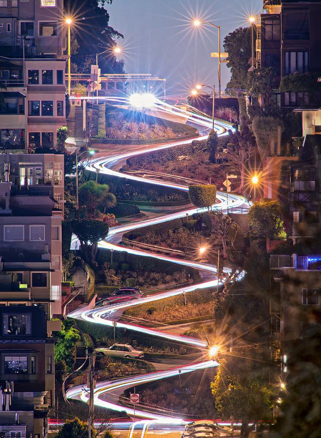 lombard-street-at-night